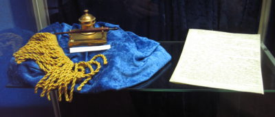 Alfred Nobel's will and inkhorn by Tomas Er